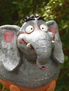Unser Gartenelefant Keramik tolle Glasur  28.60 Euro Kann alleine stehen oder auf Stab http://stores.ebay.de/Lydia-s-Wohn-Garten-Ambiente_Garten-und-Terasse_W0QQfsubZ253412019