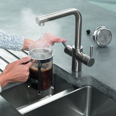 InSinkErator Steel effect Filtered steaming hot & normal hot & cold water tap Boiling Water Tap, Hot Water Dispensers, Kitchen Taps, Beautiful Kitchens, Stainless Steel, Modern Kitchens, Dream Kitchens, Clutter, Kettle