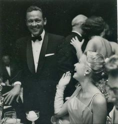 Grace Kelly & William Holden at the Acadamy Awards Ceremony, 1955