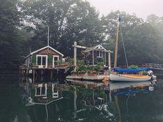 Cozy little house I kayaked past this morning : CozyPlaces