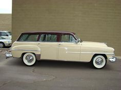 '53 Chrysler Town & Country_Sand Beige and Metallic Brown