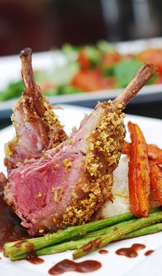 Pistachio crusted rack of lamb with roasted carrots, asparagus and mashed potatoes | JuliasAlbum.com | #main_course #vegetables