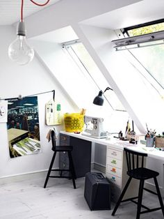 Teen modern desk space.  luminous #studio