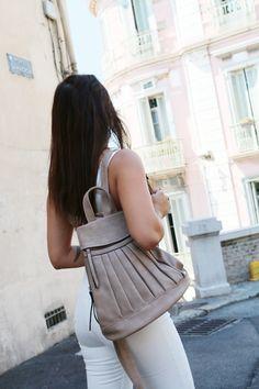 @mathilde__clt porte un joli #sac #babou dans son dernier look !