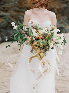 Flowerona Links : With hipster florists, garden weddings & a flower crown or two... | Flowerona