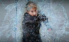 In the first full trailer for the Divergent sequel, Tris (Shailene Woodley) is forced to fight the scariest enemy yet: herself. Divergent Fandom, Divergent Trilogy, Divergent Insurgent Allegiant, Tfios, Veronica Roth, Theo Theo, Theo James, Film Science Fiction, Cinema