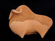 Sculptures animalières Asian Sculptures, Sculptures Céramiques, Art Sculpture, Small Sculptures, Pottery Sculpture, Ceramic Tools, Ceramic Birds, Ceramic Animals, Clay Animals