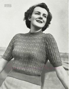 Free Pattern: Pagliacci Jumper in two sizes, Patons Knitting Book No. 274 (c. 1950s)