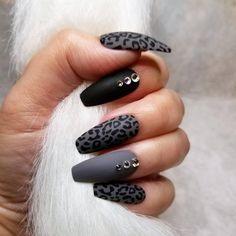 Wild Child press on false acrylic nails hand painted Matte Black Nails, Black Acrylic Nails, Best Acrylic Nails, Matte Gel Nails, Soft Gel Nails, Matte Nail Art, Acrylic Tips, Black Nail Art, Gorgeous Nails
