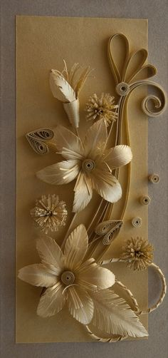 Gold Quilled Flowers -- by: Neli Flores doradas hechas con quilling -- de Neli Origami And Quilling, Neli Quilling, Quilling Craft, Quilling Flowers, Quilling Designs, Quilling Patterns, Paper Quilling, Paper Flowers, Corn Husk Dolls