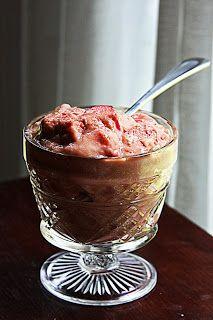Primal Kitchen: A Family Grokumentary: Paleo Strawberry Rhubarb Pudding