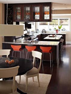 dark floors & dark cabinets