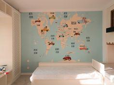 Harta lumii. Pictura perete. Culori acrilice. zid.