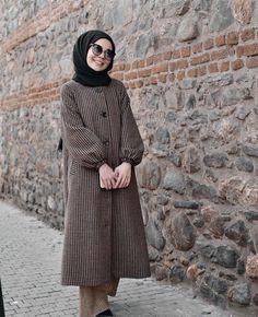 Abaya Fashion, Modest Fashion, Fashion Dresses, Casual Hijab Outfit, Hijab Dress, Mode Turban, Modest Formal Dresses, Moslem Fashion, Mode Abaya