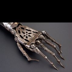 Victorian bionic hand.  It wasn't the 6 million dollar man back then.  Inflation.  6000 dollar man.
