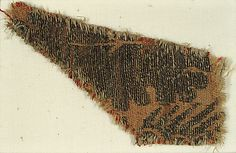 Textile with Foliated Design Date: 14th century Geography: Made in Venice, Italy Culture: Italian Medium: Silk, gold thread, linen Accession Number: 09.50.988