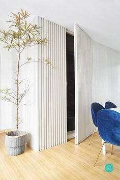 Built in storage can help make the most of a small space by giving you a place to put things but also creating a visual flow that makes the room feel purposeful and functional as well as beautiful. Home Interior Design, Interior And Exterior, Flur Design, Hallway Designs, Secret Rooms, Wood Slat Wall, Living Spaces, New Homes, Room Decor