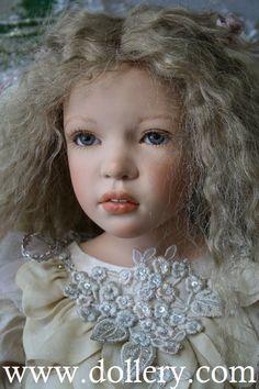 """Zofia Zawieruszynski Collectible Dolls.  Klaudyna Vinyl 32"""""""