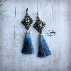Купить Серьги с кистями вышивка бисером, серьги с кристаллами Swarovski - голубой, серьги с кистями