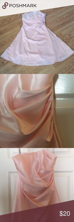 Alfred Angelo bridesmaids's dress This dress is so flattering! Beautiful soft pink color in a tea length. Small stain on the skirt barely noticeable. Alfred Angelo Dresses Strapless