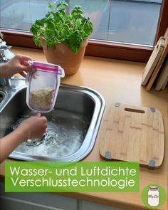 Diy Home Cleaning, Cleaning Hacks, Birthday Gifts For Her, Diy Birthday, Organisation Hacks, Ideas Para Organizar, Dollar Store Christmas, Household Chores, Wooden Shelves