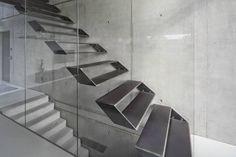 Schiller Architektur BDAが手掛けたtranslation missing: jp.style.玄関-廊下-階段.modern玄関/廊下/階段