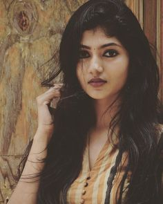 Cute Girl Photo, Girl Photo Poses, Beautiful Girl Indian, Beautiful Indian Actress, Beautiful Women, South Indian Actress Hot, Stylish Girls Photos, Beauty Full Girl, Indian Beauty Saree