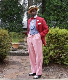 Take Some Style Tips From Dandy Wellington - Don't Be Afraid To Give Yourself Room To Move Dapper Day, Dapper Gentleman, Gentleman Style, Kentucky Derby Outfit, Kentucky Derby Fashion, Sharp Dressed Man, Well Dressed, Great Gatsby Fashion, 70s Fashion