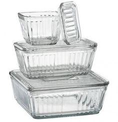 My favorite Vintage Style Glass Food Storage - no plastic touches food in my house. Glass Storage Containers, Glass Food Storage, Glass Containers, Kitchen Storage, Glass Fridge, Glass Kitchen, Green Kitchen, Refrigerator Storage, Vintage Refrigerator