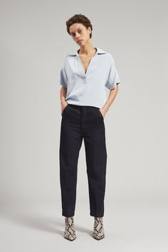 Queer Fashion, Tomboy Fashion, Fashion Pants, Fashion Outfits, Androgynous Women, Androgynous Fashion, Suspenders Outfit, Professional Outfits, Business Outfits