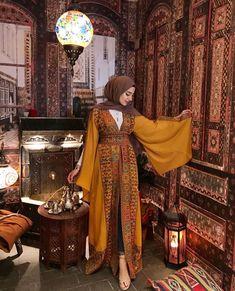 Light black embroidered long kimono/abaya with belt Modest Fashion Hijab, Modern Hijab Fashion, Arab Fashion, Hijab Fashion Inspiration, Muslim Fashion, Fashion Outfits, British Fashion, Bohemian Fashion, African Fashion