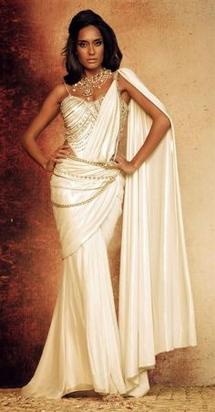 Indian Bridal Dress- Classical White & Gold!