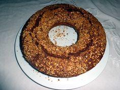 """(foto © vivivegan.com) Ciambellone vegano al cioccolato … un paio di settimane fa il molino Molino Ronci di Pontemessa di Pennabilli (RN) mi ha fatto omaggio delle loro farine e affini, per cui qualche giorno fa ho fatto il mio… <a href=""""http://www.vivivegan.com/blog/ciambellone-vegano-cioccolato/"""" class=""""more-link"""">Continua a leggere <span class=""""meta-nav"""">→</span></a>"""