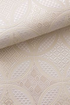 お洒落な普段着物、東京 六本木の帯,きものブランド awai 帯   組七宝【白×生成】