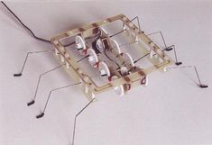 Spider Arduino, Stem Projects, Diy Projects To Try, Diy Electric Toys, Beam Robot, Electronics Mini Projects, Diy Robot, Cool Robots, Easy Science