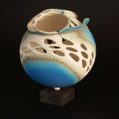 , - Clarewakefieldceramics - Sculptural pieces in porcelain and stoneware