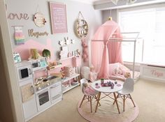 30 Décoration de salle de jeux pour enfants 30 Children's playroom decor The first thing that comes Baby Bedroom, Girls Bedroom, Bedroom Decor, Playroom Decor, Kids Decor, Vintage Playroom, Modern Playroom, Playroom Ideas, Toddler Rooms