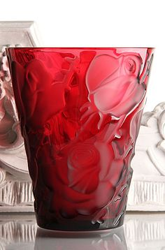 Lalique Rouge Ispahan Vase