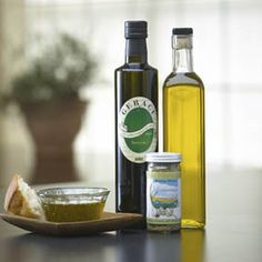 Combine Don Vito's Gold Italian Blend spice with a select first-press Italian extra virgin olive oil in the included bottle for a delicious dipping oil for bread, veggies, or salad.    Includes gift box and pour spout! $19.95