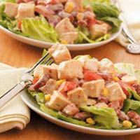 "BBQ Ranch Salad Recipe -""High in protein and low in fat, this scrumptious salad has become one of my husband's and my favorite, simple and quick meals,"" writes Kim Pohlman from Coldwater, Ohio. Lunch Recipes, Salad Recipes, Healthy Recipes, Healthy Foods, Healthy Lunches, Fit Foods, Work Lunches, Detox Recipes, Healthy Dinners"