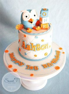 This is the first of my cakes for this weekend. I have now made little ole hoot 3 times now and i think i get better at him every time. This gorgeous little design is inpired by the hootabelle cake i did and Ashton's mum Sarah knew what she wanted. Fairy Birthday Cake, Boys First Birthday Cake, Birthday Cakes, Owl Cakes, Bird Cakes, Cupcakes, Cupcake Cakes, Beautiful Cakes, Amazing Cakes