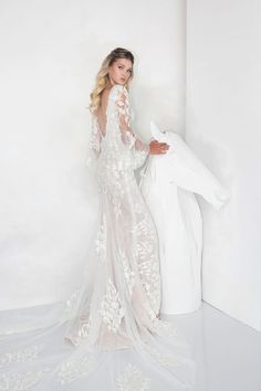 Boho Backless Wedding Gown. Backless Wedding Gown. #backless #weddinggown #romantic #bohowedding #romanticbride #bohobride #bohemianwedding #bohemian #wedding #lavish2019 #yanivpersy