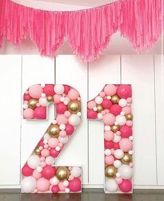 21st Party, 21st Birthday Gifts, Birthday Diy, Special Birthday, Birthday Cakes, Birthday Balloon Decorations, Birthday Balloons, Birthday Party Decorations, Diy 21st Decorations