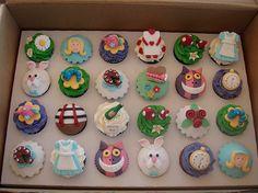 Disney Alice In Wonderland | Disney Alice in Wonderland Cupcakes « The Cupcake Blog