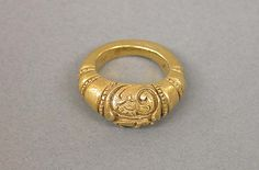 Ring with Foliate Scroll Pattern, Central Javanese period, circa 750-950, Indonesia, gold