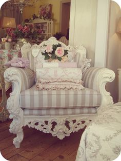 10 Best Useful Ideas: Shabby Chic Ideas Crafts shabby chic vanity house.Shabby Chic Living Room On A Budget shabby chic style plants. Decor, Furniture, Shabby Chic Decor, Shabby Chic Living Room, Beautiful Furniture, Chic Decor, Home Decor, Chic Bedroom, Shabby Chic Furniture