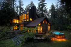 House in Mendocino, United States. WELCOME TO FOR THE JOY OF IT! A quiet country retreat in the middle of the forest yet minutes from the town of Mendocino.  Come enjoy the peace and quiet of the forest, play in my yurt/art studio and hot tub under the stars! Its unforgettable!  A ...