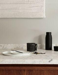 A minimal kitchen in oak and terrazzo - september edit Terrazzo, Wooden Kitchen, Rustic Kitchen, Küchen Design, Home Design, Home Decor Kitchen, Interior Design Kitchen, Modern Interior, Country Look