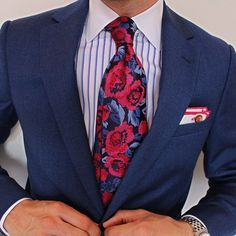 Loving everything about this look spotted on @mensstyleenthusiast. Pocket square by @armstrongwilson. What do you think of this look for your guy? #munagrooms #munaluchi #sartorial