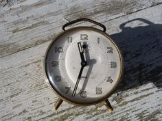 Vintage 1930/ 1950 French Japy  alarm clock  by petitbrocante...